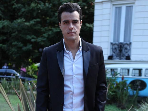 Carga dramática do personagem empolga ator que dá vida à Enrico Bolgari (Foto: Gshow)