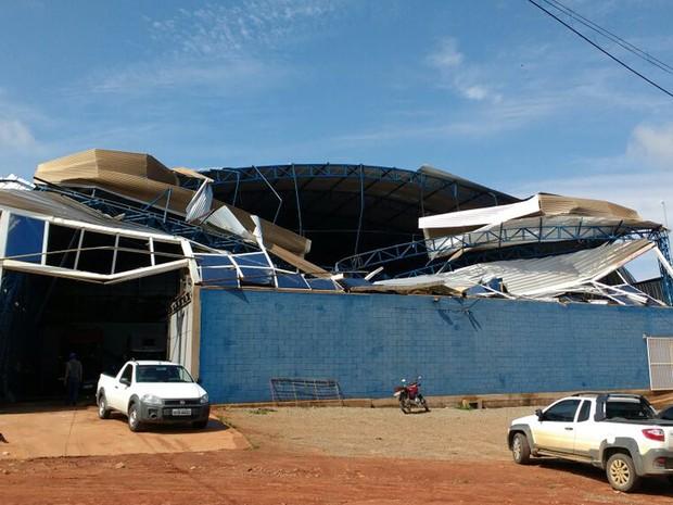 Chuva rápida provocou destelhamentos na cidade do sul da Bahia (Foto: Divulgação/ Defesa Civil de Teixeira de Freitas)