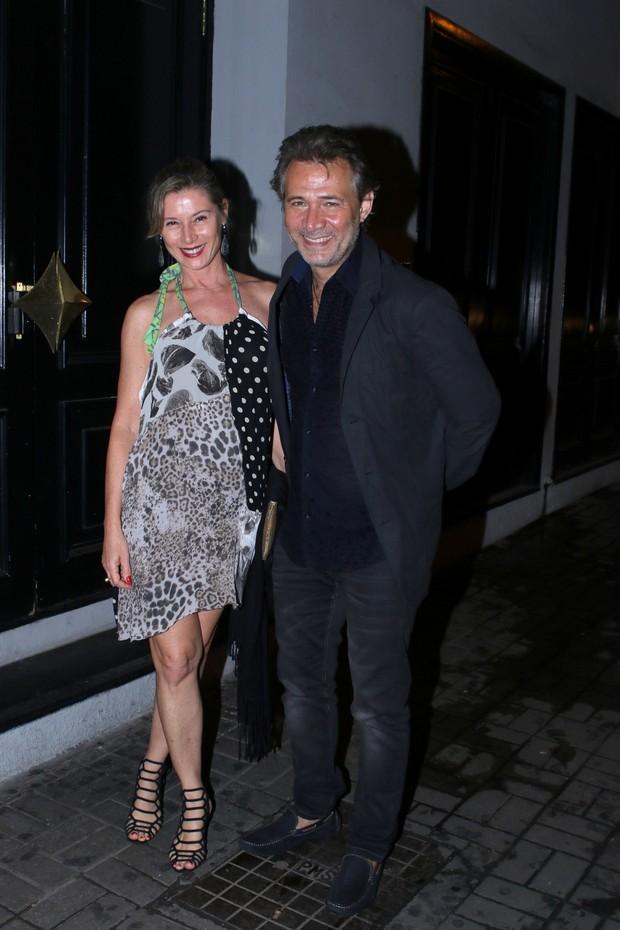 Nelson Freitas e esposa em festa de aniversário de Dani Calabresa no sábado, 14, em São Paulo (Foto: Thiago Duran/AgNews)