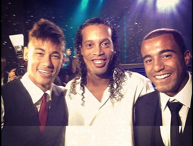 Neymar, Ronaldinho e Lucas no prêmio Brasileirão 2012 (Foto: Reprodução)