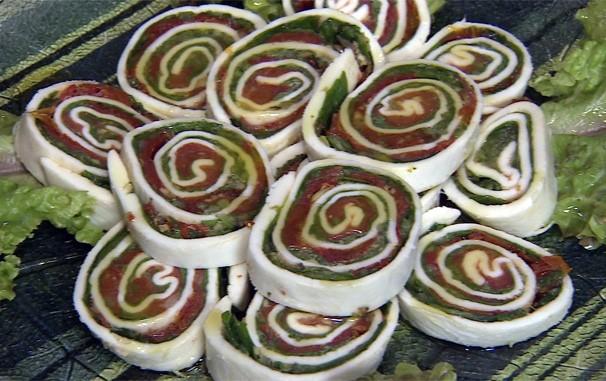 No 'Cozinha do Brasil' a receita da semana é um Rocambole de Búfula  (Foto: Reprodução / TV Fronteira)