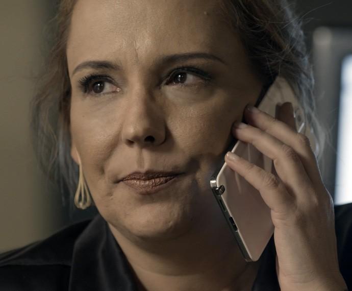 Poderosa, Emília vive cheia de segredos (Foto: TV Globo)