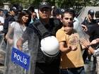Nobel de Literatura denuncia 'terror' na Turquia após prisão de jornalista