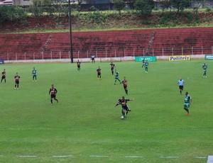 Tocantins e Pinheiro Campeonato Amador de Uberlândia (Foto: Caroline Aleixo)