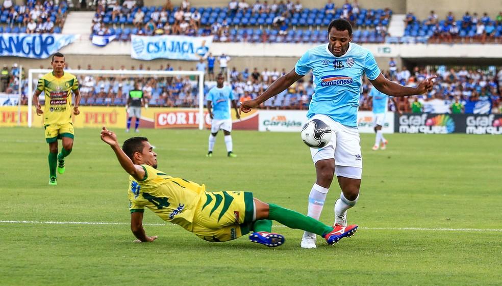 Daniel Cruz defendeu o CSA no Campeonato Alagoano deste ano antes de se transferir para o São Caetano (Foto: Ailton Cruz / Gazeta de Alagoas)