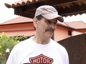 Roberto Jefferson em sua casa em Levy Gasparian, na quinta-feira (Foto: Reprodução/TV Rio Sul)
