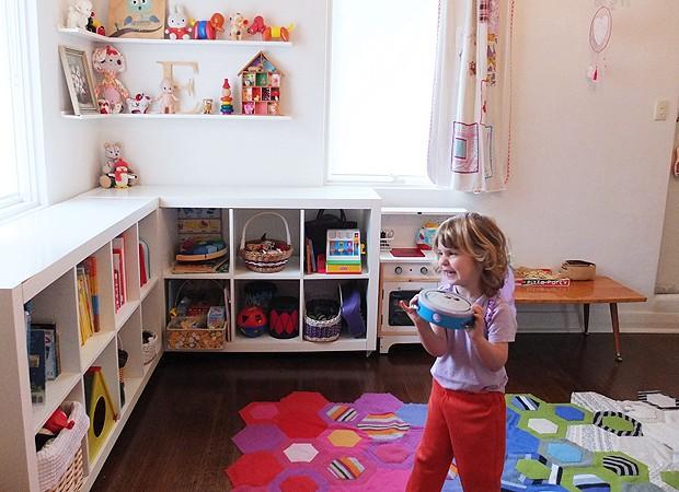 Emma, três anos, tem um cantinho decorado só para ela na casa (Foto: Cintia Gonzalez-Pell)