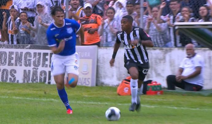 Robinho; URT x Atlético-MG (Foto: Reprodução / Premiere)
