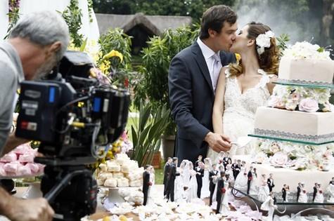Sergio Guizé e Nathalia Dill gravamo casamento de Laura e Caíque (Foto: Raphael Dias/Gshow)