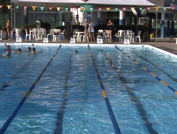 Piscina do Divinópolis onde vai acontecer a competição no sábado (25) (Foto: Reprodução/ TV Integração)