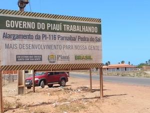 Não há mais máquinas ou operários pela região (Foto: Patrícia Andrade/G1)