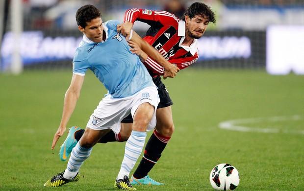 Hernanes Lazio e Pato Milan (Foto: Reuters)