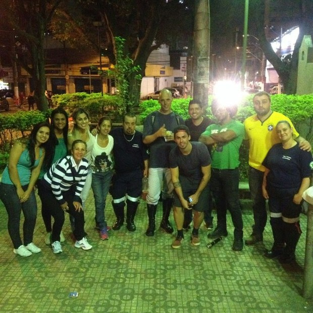 Vanessa Mesquita e equipe do Projeto Hopet (Foto: Divulgação)