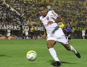 Leandro, atacante do Botafogo-SP (Foto: Rogério Moroti / Agência Botafogo)