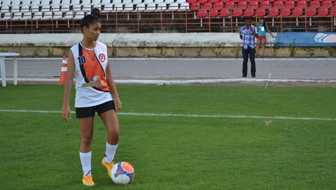 Ingryd, jogadora da União Desportiva de Alagoas (Foto: Jota Rufino/GloboEsporte.com)