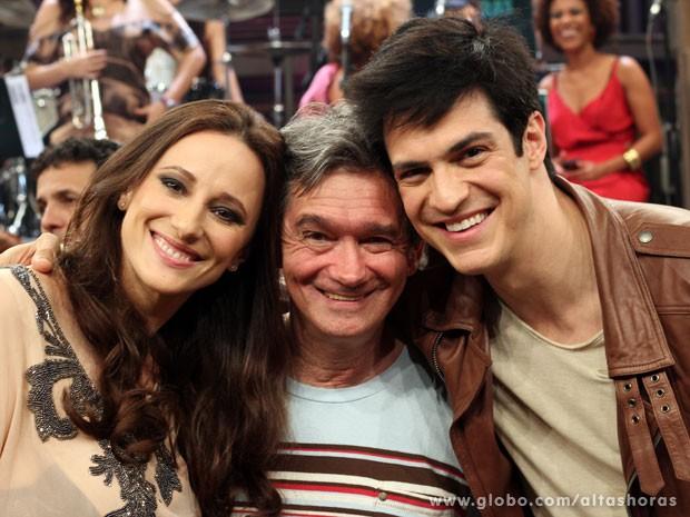 Mateus Solano e sua esposa Paula Braun participam do Altas Horas (Foto: TV Globo/Altas Horas)