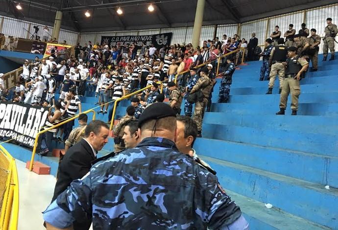 Orlândia Corinthians semifinal LNF 2015 confusão uberaba (Foto  Cleber  Akamine) 9b13ff3517414