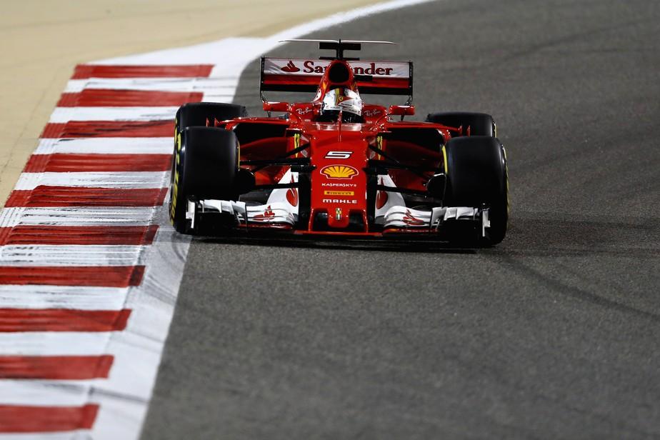 No Bahrein, Vettel vence a disputa com Hamilton e assume a liderança do campeonato