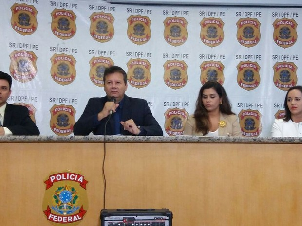 Polícia Federal explicou as fraudes cometidas contra o FGTS (Foto: Marlon Costa/Pernambuco Press)