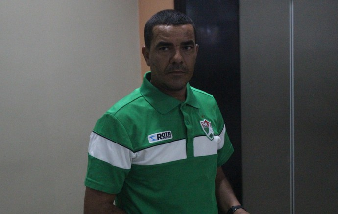 Evandro Guimarães, técnico do Salgueiro (Foto: Wenner Tito )