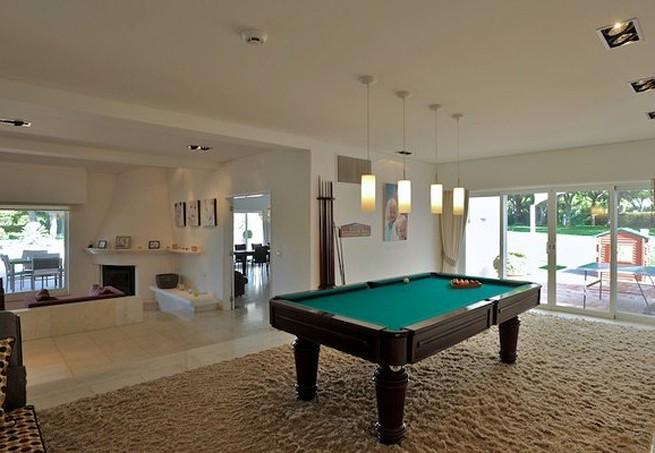 A sala de jogos (Foto: Reprodução Luxury Estate)