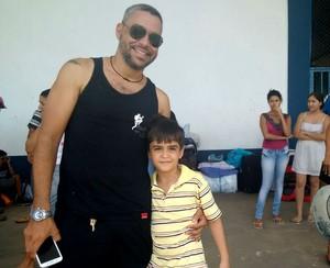 Em sua primeira competição fora do estado, Guilherme e o pai, Marcelino viajam juntos (Foto: Pâmela Fernandes)