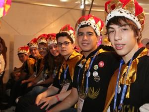 Competidores com a coroa do ja venci (Foto: Thiago Rios Gomes)