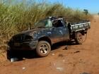 Motorista capota caminhonete e morre ao ser arremessado, diz PM
