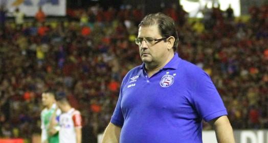 nas mãos dele (Marlon Costa / Pernambuco Press)
