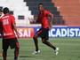 Marcão treina, e Moacir Jr. sinaliza volta do atacante ao Botafogo-SP