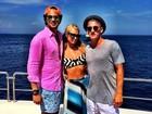 Tá rolando? Paris Hilton posa de novo com brasileiro em Ibiza