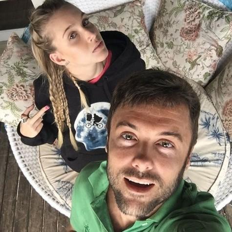Kayky Brito e a namorada, Bianca Grubhofer (Foto: Reprodução)