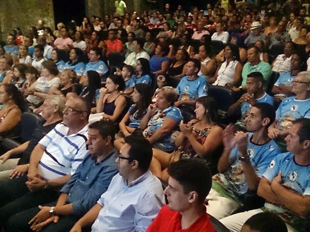 Autoridades e representantes das escolas de samba e bandas foram à cerimônia (Foto: LG Rodrigues/G1)