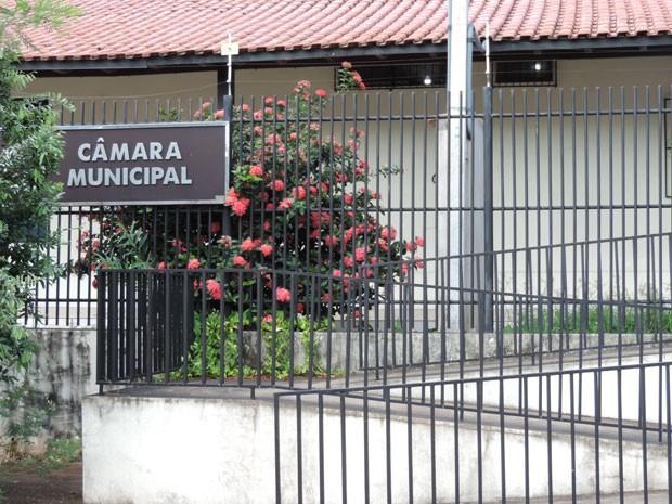 Câmara Municipal de Rosana demitiu o funcionário Edison Alves da Silva (Foto: Wellington Roberto/G1)