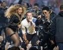 Com mosaico gigante, Coldplay, Bruno Mars e Beyoncé animam o Super Bowl