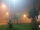 Morador registra neblina na madrugada deste sábado em S. José