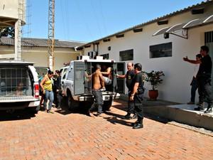 Grupo foi encaminhado para o presíido de Rio Branco  (Foto: Pedro Paulo/ Ascom Polícia Civil)