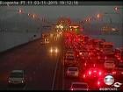 Acidentes voltam a complicar o trânsito, agora na saída do Rio