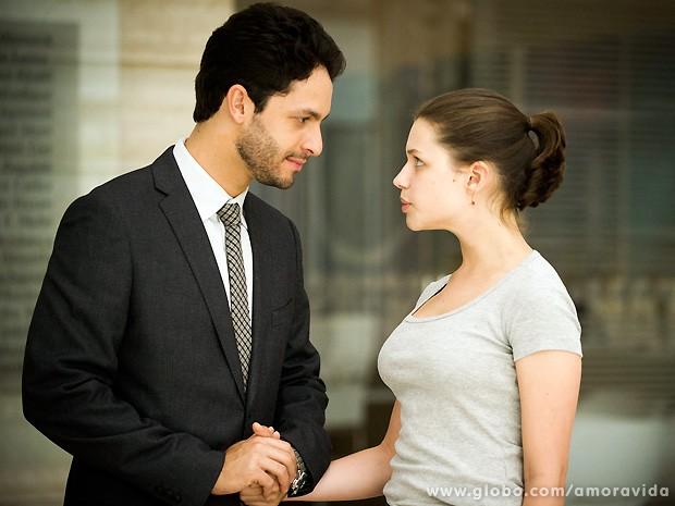 Rainer e Bruna nas peles de Rafael e Linda. O amor que quebra barreiras (Foto: João Miguel Júnior / TV Globo)