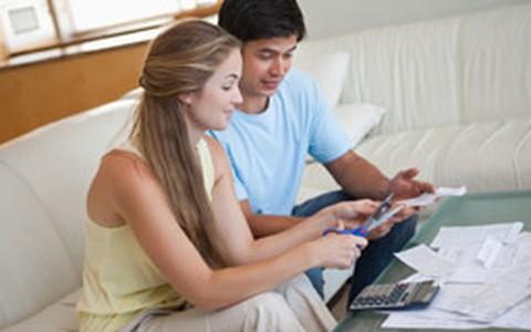 Sete dicas (fáceis) para economizar nas contas da casa