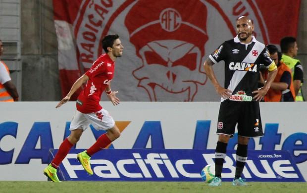 Rodrigo Pimpão gol América-RN x Vasco (Foto: Nuno Guimarães / Ag. Estado)