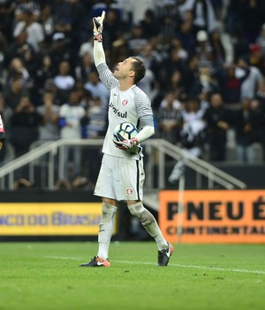Corinthians x Inter Copa do Brasil Arena Marcelo Lomba comemoração (Foto: Marcos Ribolli / GloboEsporte.com)