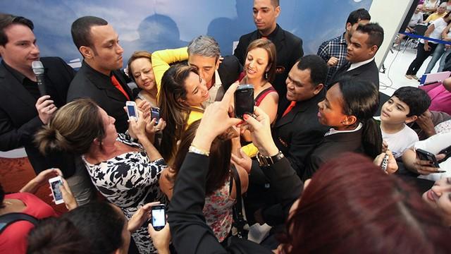 O ator Alexandre Borges estava presente e fez a alegria dos fãs (Foto: José Luiz Borges)