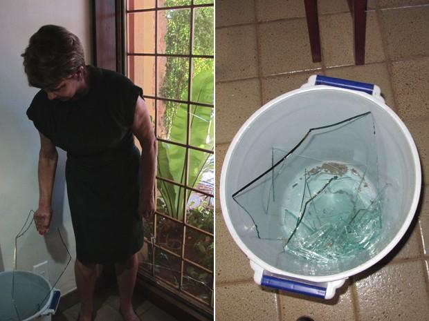 Vidros quebrados em casa da QI 11 do Lago Sul (Foto: Felipe Néri/ G1)