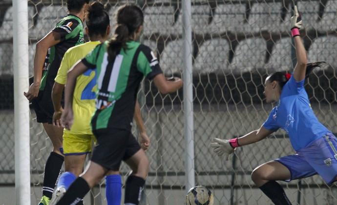 América-MG x Tiradentes-PI  (Foto: Washington Alves/ALLSPORTS)