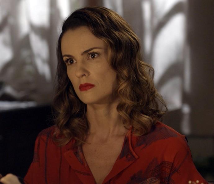 Rosa dá fora em Massimo (Foto: TV Globo)