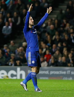 Hazard comemora gol do Chelsea (Foto: AP Photo/Kirsty Wigglesworth)