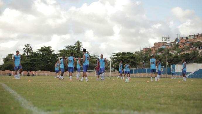 Madureira treina no campo do Mutange, em Maceió (Foto: Jonathan Lins/G1)