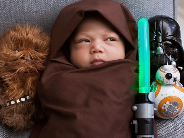Zuckerberg postou foto da filha vestida de Jedi (Foto: Reprodução/Facebook)