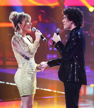 Claudia e Sam fazem dueto com músicas da técnica (Isabella Pinheiro/TV Globo)